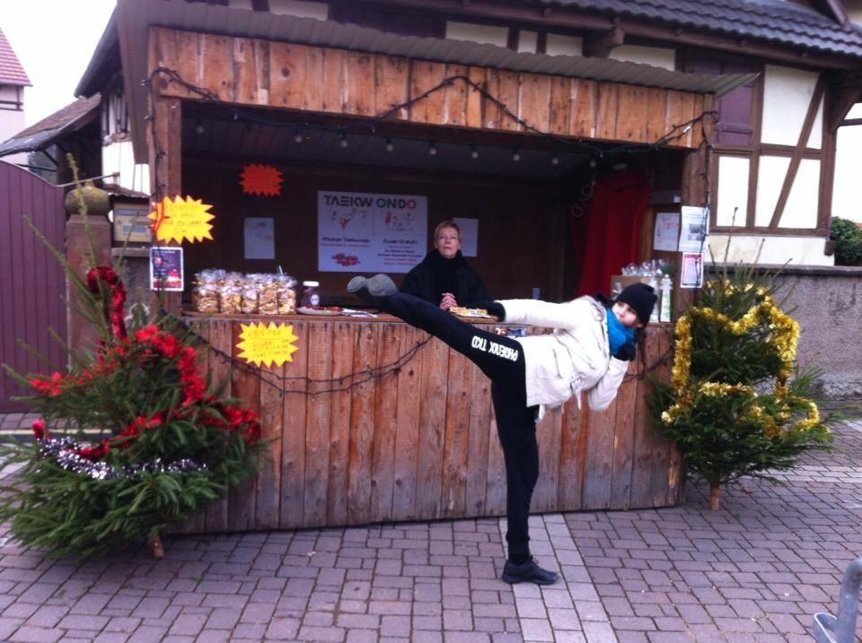 France  Eckbolsheim 2015- Marché et Pays du Père Noel